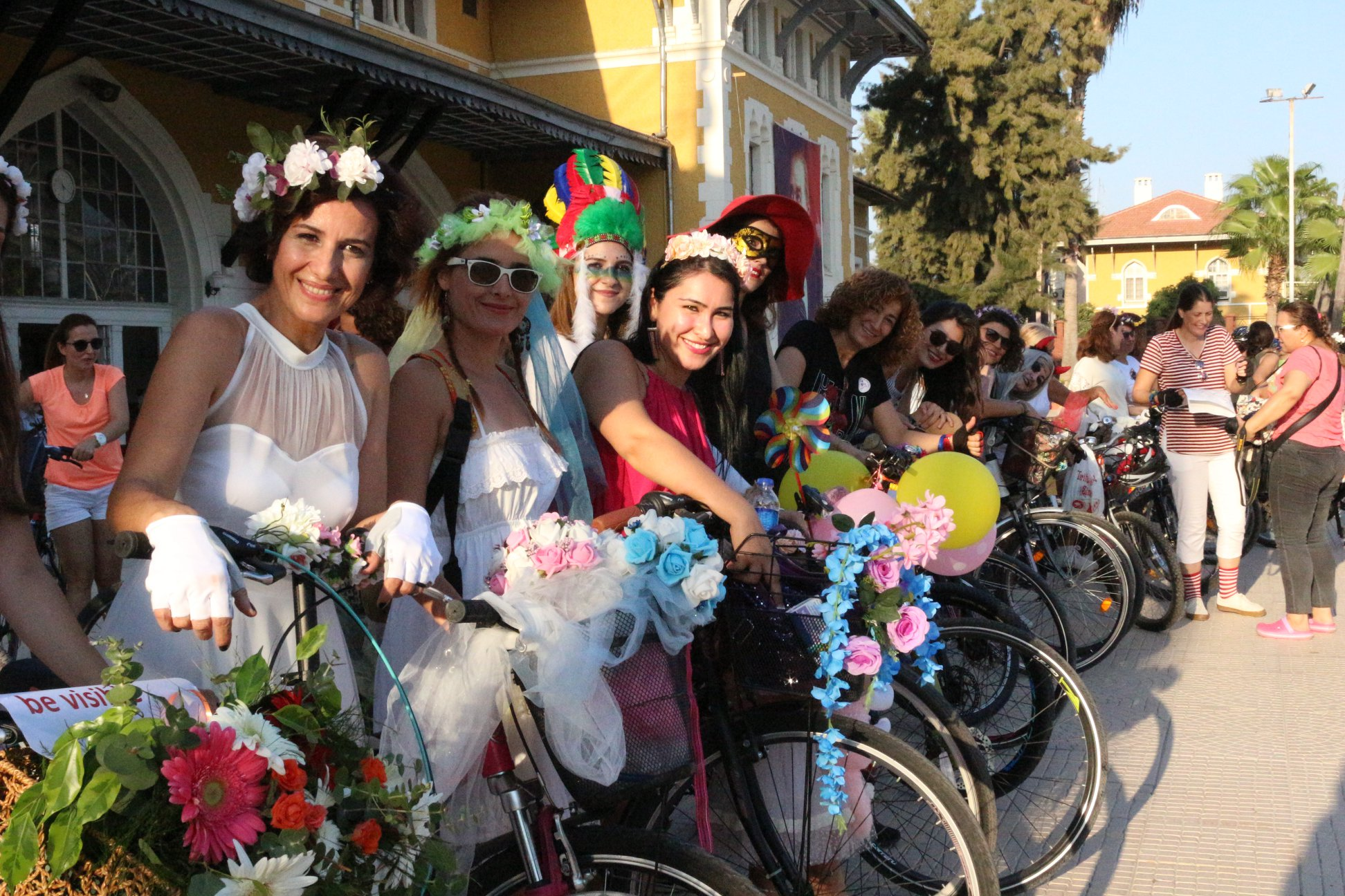 adana-suslu-kadinlar-bisiklet-turu
