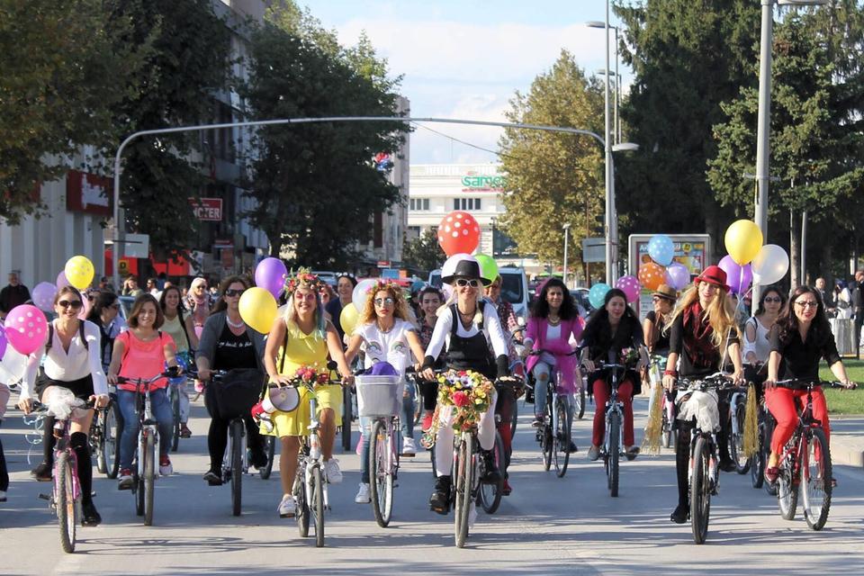 adapazari-sakarya-suslu-kadinlar-bisiklet-turu