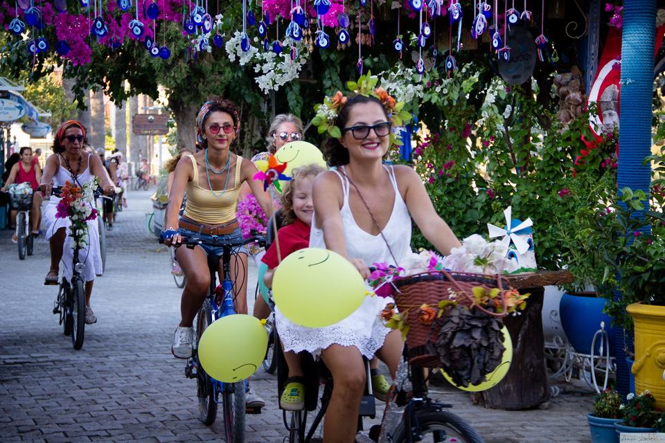 datca-suslu-kadinlar-bisiklet-turu