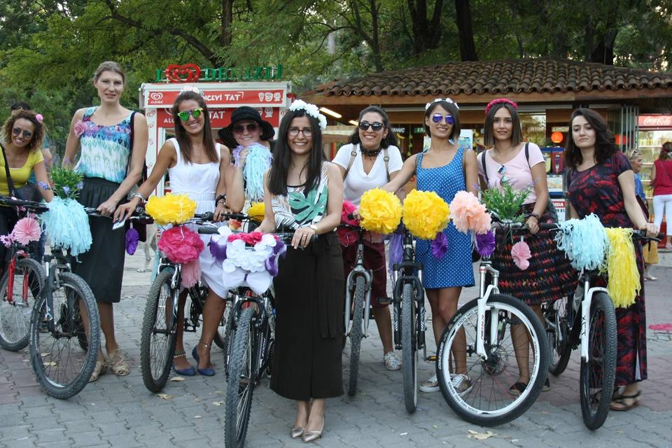 denizli-suslu-kadinlar-bisiklet-turu