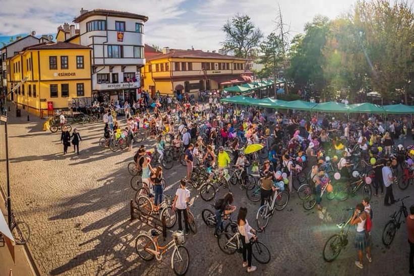 eskisehir-suslu-kadinlar-bisiklet-turu